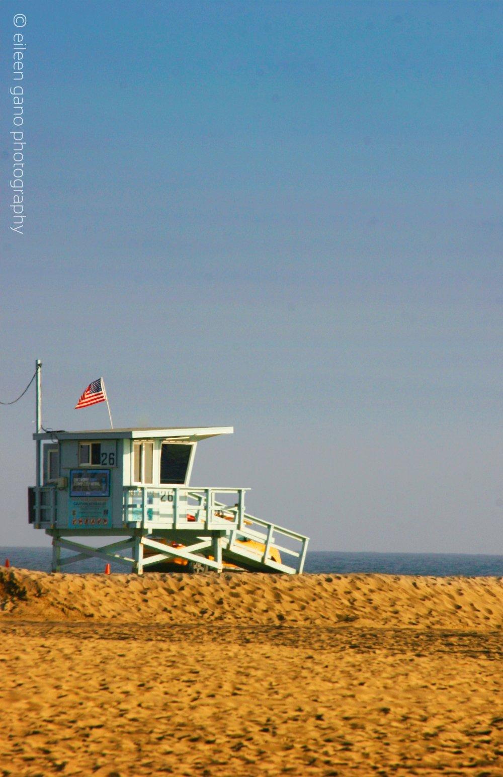 1-landscape-1-santa-monica-beach-lifegaurd-stand-eileen-gano